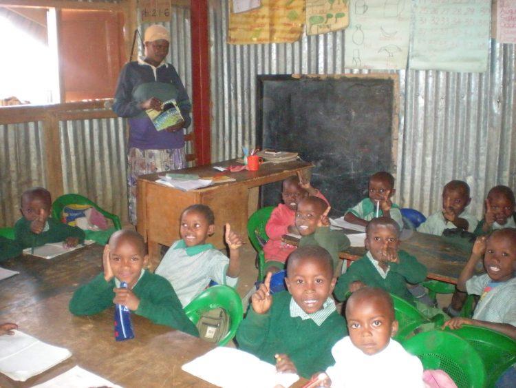 Школа в трущобах Кибера, Найроби