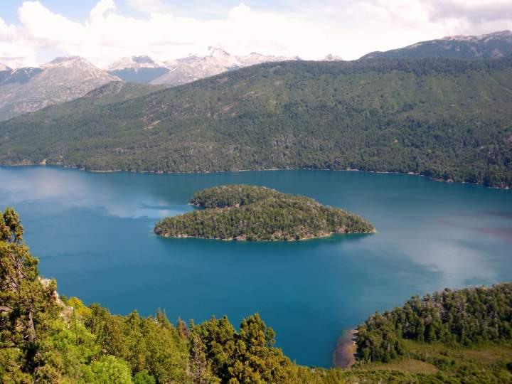 ostrov-v-vide-serdca-maskardi-argentina