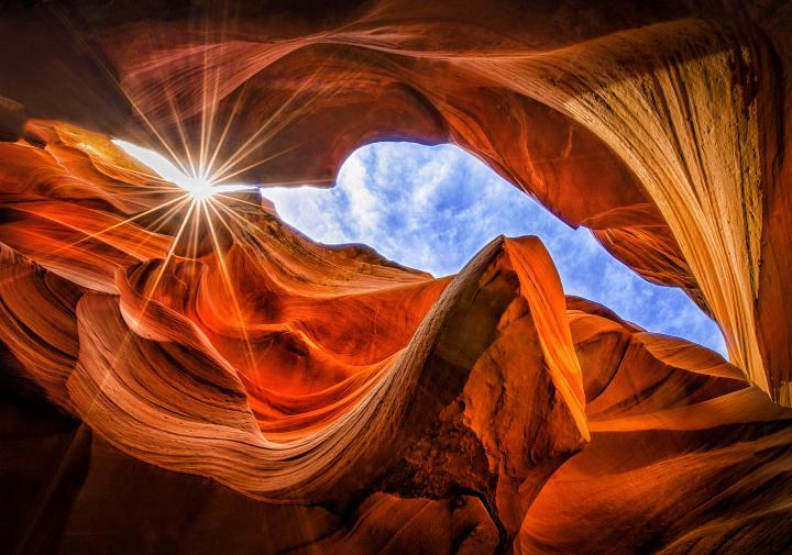 вид-на-небо-из-каньона-антилопы
