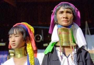 Племя Падаунг - женщины-жирафы