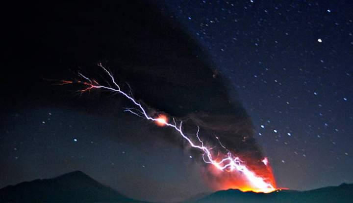 vulkanicheskaya-molniya