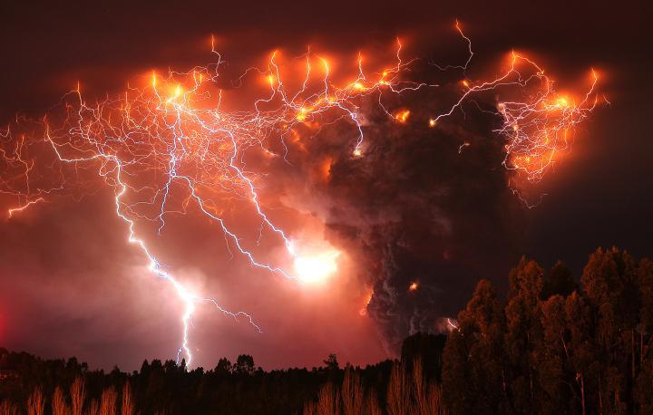 vulkanicheskie-molnii