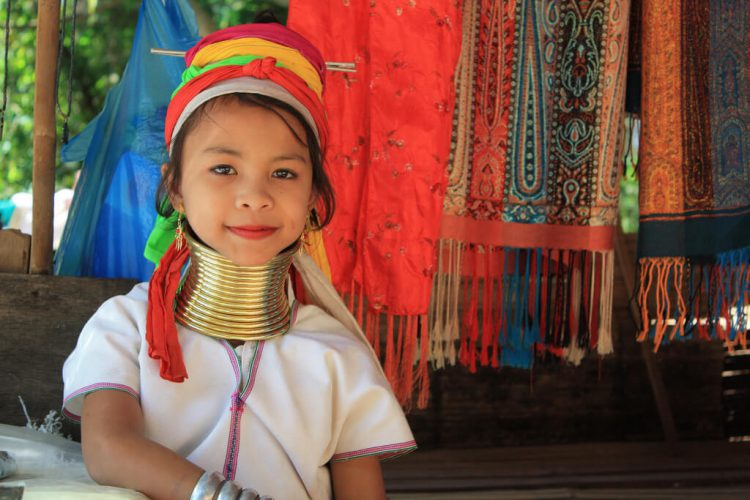 Девочка племени Падаунг