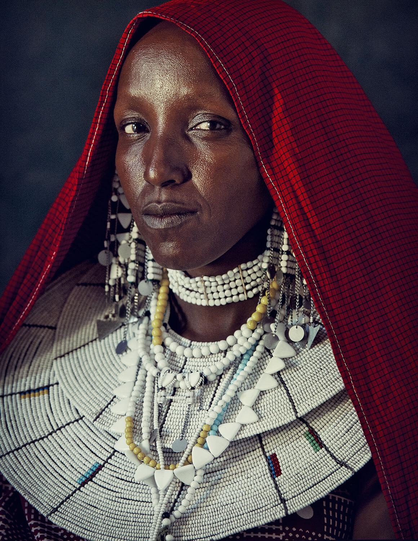 kolichestvo-ukrashenij-priznak-dostatka-u-plemeni