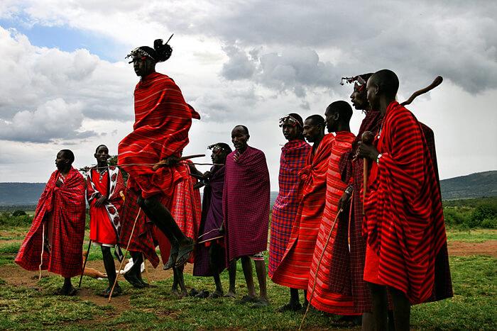 Племя Масаи проводит ритуал