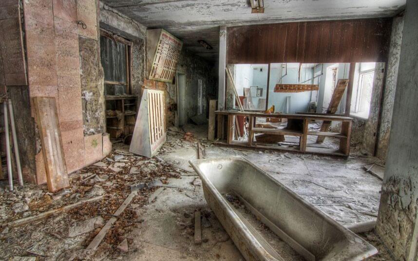 stojka-registracii-v-zabroshennom-otele-pripyat