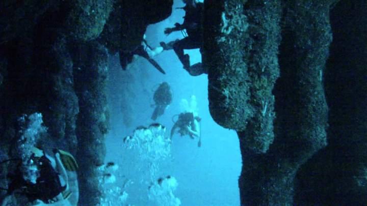 Сталактиты под водой