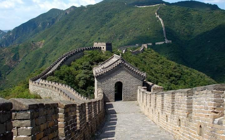 Внутри Великой китайской стены
