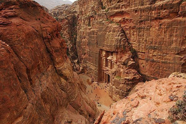 Эль-Хазне - вид с вершины скалы
