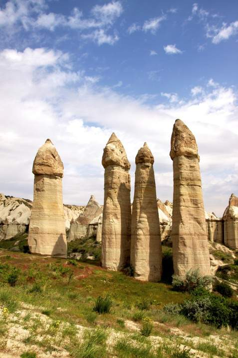 Столпы в форме фаллоса в Каппадокии