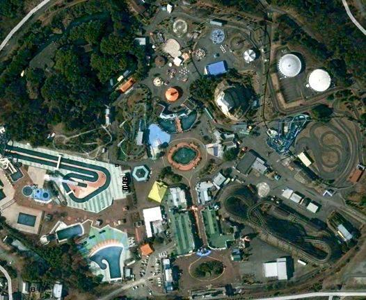 """Заброшенный парк аттракционов """"Nara Dreamland"""" - вид сверху"""