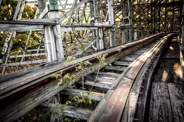 Заброшенный парк аттракционов «Nara Dreamland» в Японии