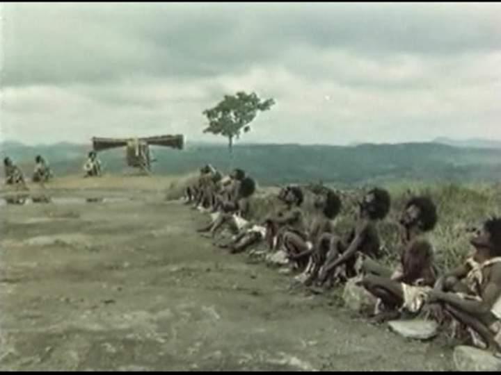 Аборигены исполняют культ карго
