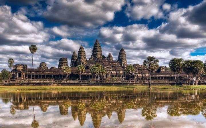 Ангкор-Ват издали