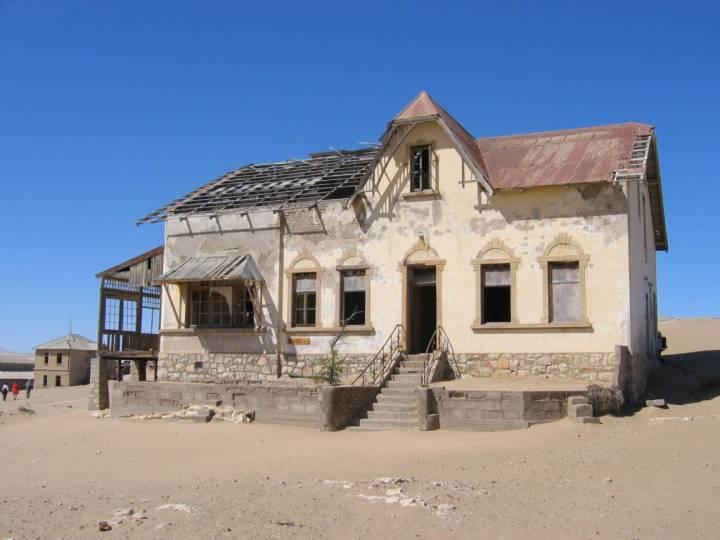 Дом в заброшенном городе Колманскоп