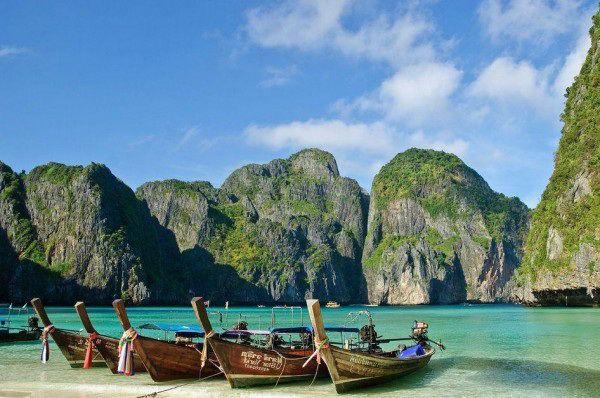 Лодки на острове Пхи-Пхи-Дон