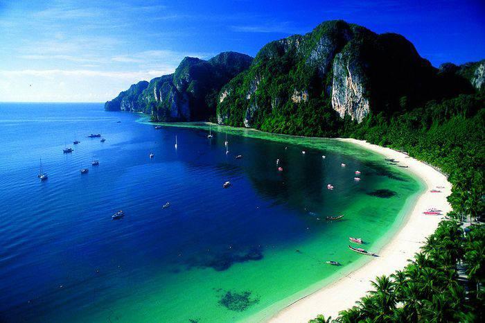 Пейзажи острова Пхи-Пхи-Лей, Таиланд