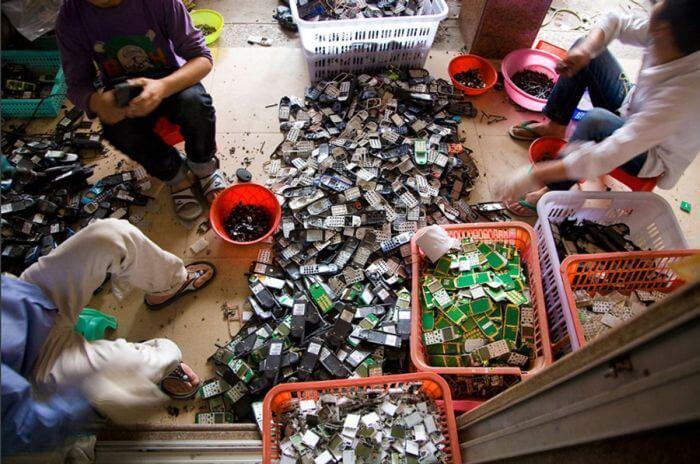 Сортировка электронного мусора в Китае