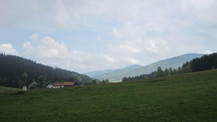 Вид на холмы и горы Баварский Лес