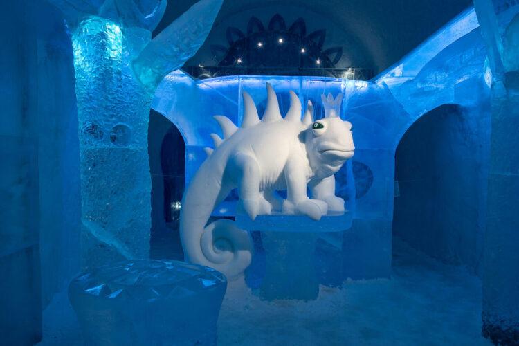 Снежный дракон в Ледяном отеле