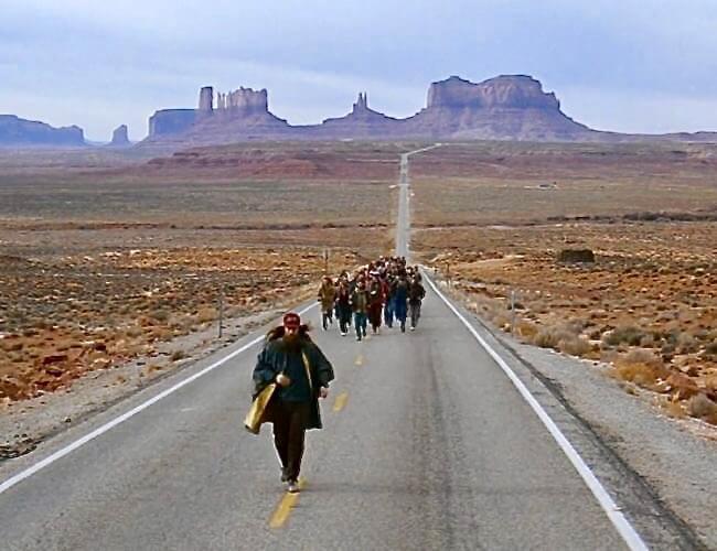 Кадры из фильма Форрест Гамп на фоне Долины Монументов.