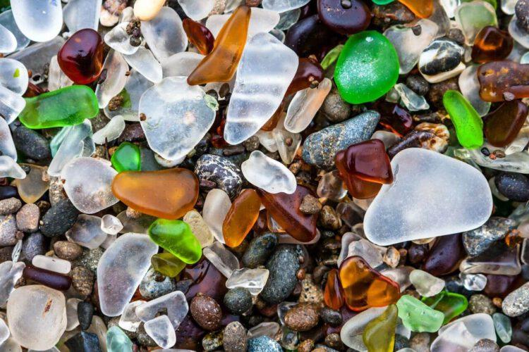 стекляшки стеклянного пляжа