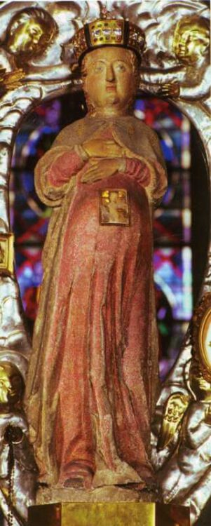 Главная реликвии церкви - статуя Богоматери («Maria in der Hoffnung»)