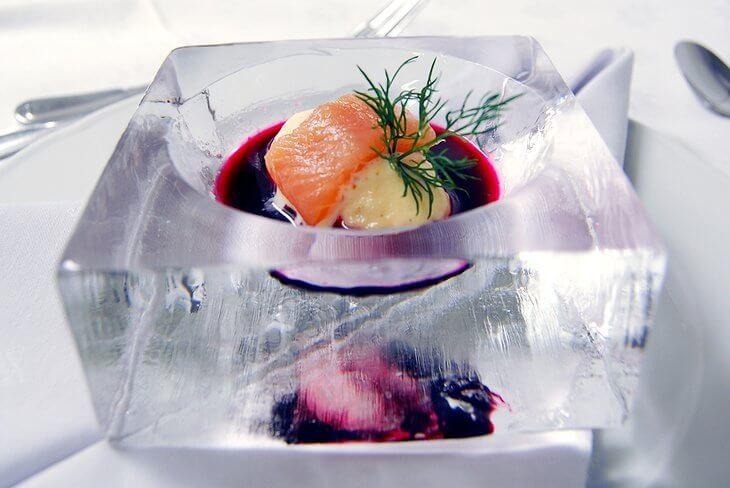 Ледяная посуда в Ледяном отеле