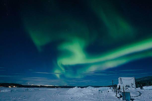Северное сияние возле Ледяного отеля