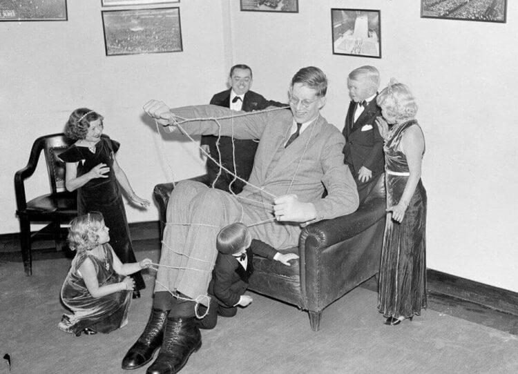 Самый высоким человеком в мире был американский гигант Роберт Уодлоу
