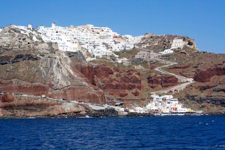 Вид на Санторини с круизного корабля