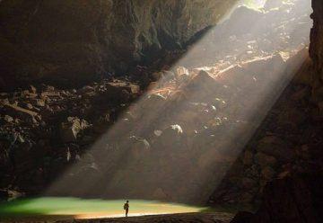 Солнечный луч в пещере Шондонг