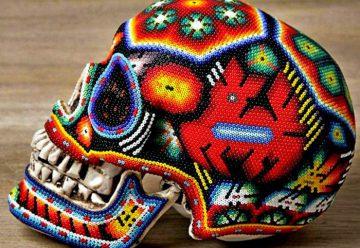 Череп-футбольный мяч племени Майя